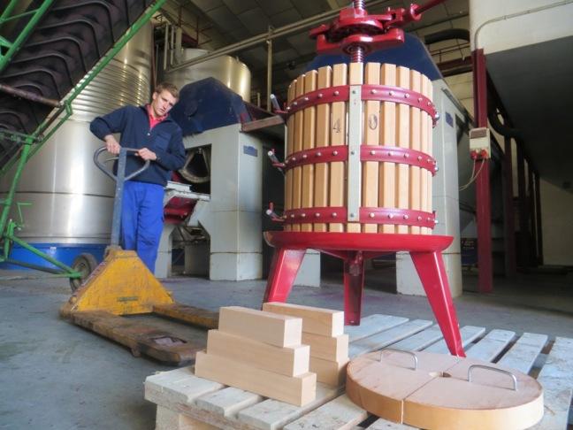 prensa-vertical-para-el-vino